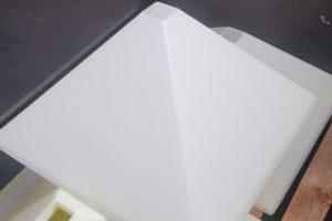 Corpo per lampada a sospensione in plexiglas monosatinato